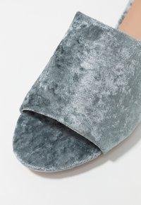 ONLY SHOES - ONLAPRIL HEELED SLIP ON - Pantofle - light blue - 2