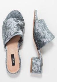 ONLY SHOES - ONLAPRIL HEELED SLIP ON - Pantofle - light blue - 3