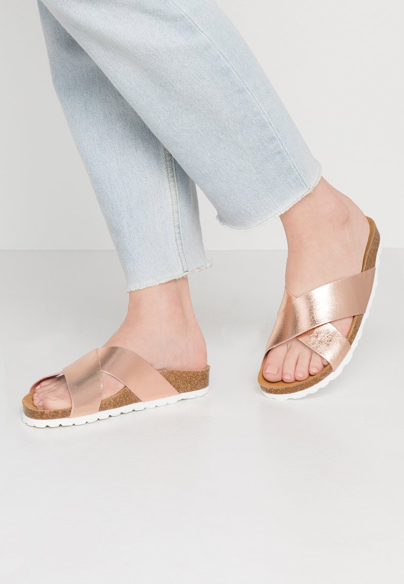 ONLY SHOES - ONLRAVI CROSS SLIP ON - Pantolette flach - rose gold