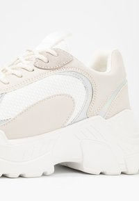 ONLY SHOES - Joggesko - offwhite - 2
