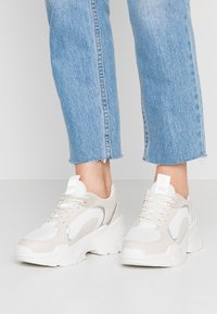 ONLY SHOES - Joggesko - offwhite - 0