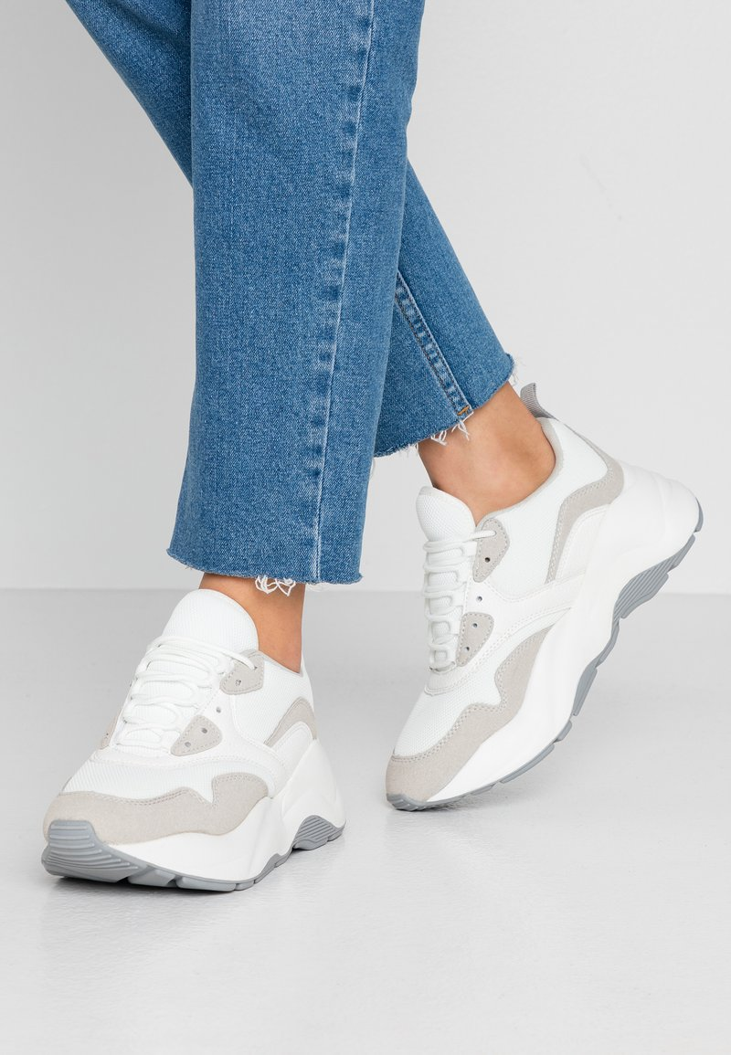ONLY SHOES - Sneaker low - white