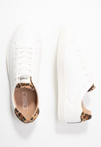 ONLY SHOES - ONLSILJA DETAIL - Tenisky - white/beige - 3