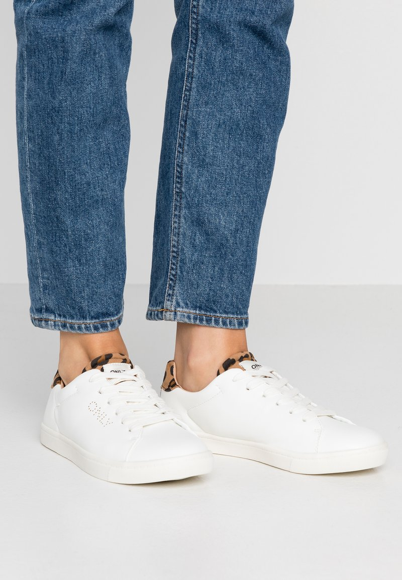 ONLY SHOES - ONLSILJA DETAIL - Trainers - white/beige