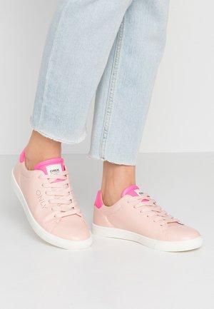 ONLSILJA DETAIL - Sneaker low - pink
