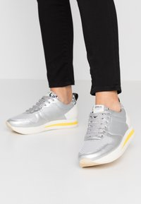 ONLY SHOES - ONLSILLIE BLOCK - Sneakers - silver - 0