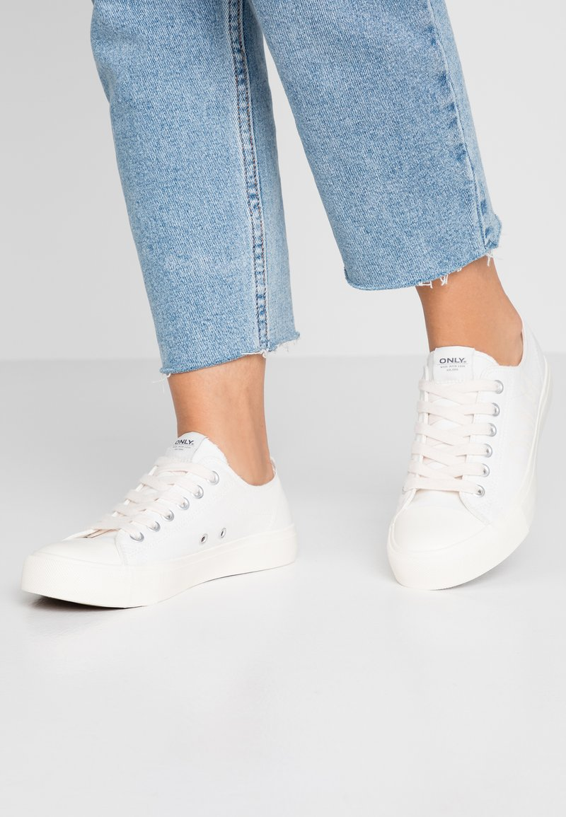 ONLY SHOES - ONLNEW SURI  - Sneakers laag - white