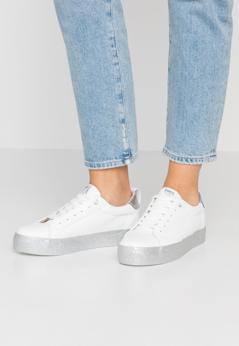 ONLY SHOES - ONLSHERBY GLITTER - Sneaker low - white