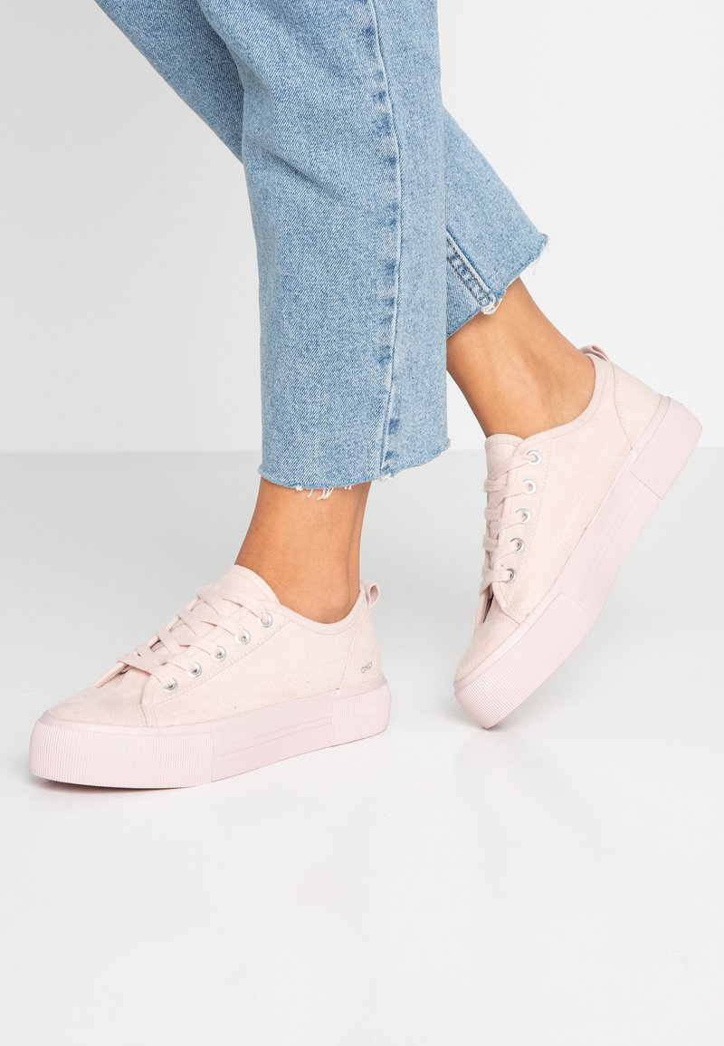 ONLY SHOES - ONLSALONI DETAIL  - Sneaker low - rose