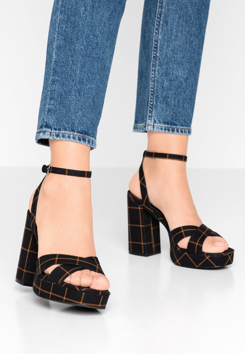 ONLY SHOES - ONLAERIN CHECK - Sandály na vysokém podpatku - black/yellow