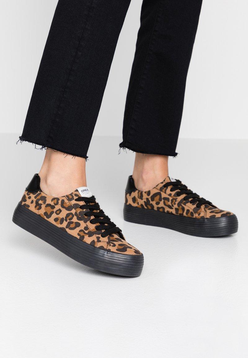 ONLY SHOES - ONLSALONI - Sneaker low - beige