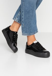 ONLY SHOES - ONLSALONI - Sneakers basse - black - 0