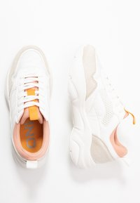 ONLY SHOES - ONLSANNA CHUNKY  - Sneakers laag - white - 3