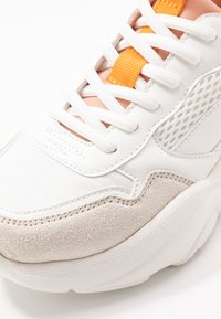 ONLY SHOES - ONLSANNA CHUNKY  - Sneakers laag - white - 2