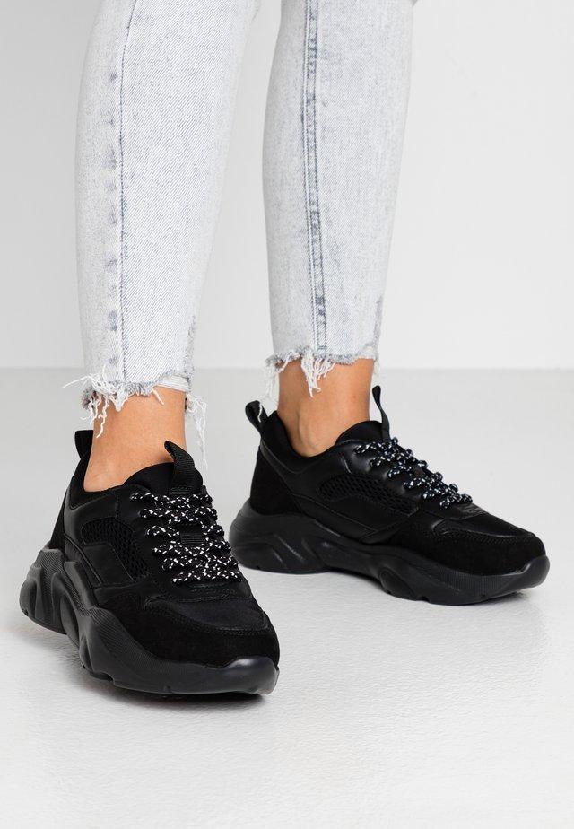 ONLSANNA CHUNKY  - Sneakers - black