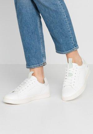 ONLSHILO IRIDESCENT  - Sneakers - white/mint
