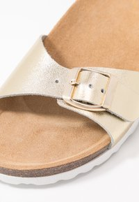 ONLY SHOES - ONLMADISON LEATHER SLIP ON - Pantuflas - gold - 2