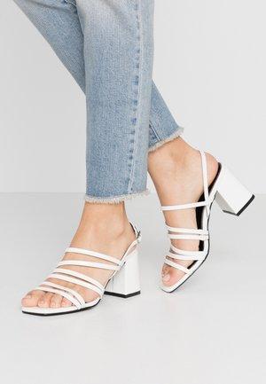ONLAMANDA STRING HEELED  - Sandaler - white