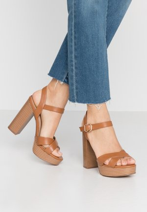 ONLALLIE CROSSED NATURE - Sandalen met hoge hak - cognac