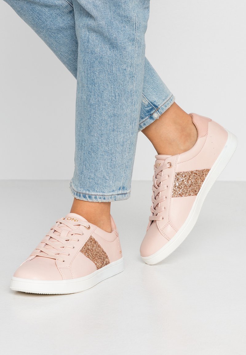 ONLY SHOES - ONLSHILO SIDE PANEL - Joggesko - rose