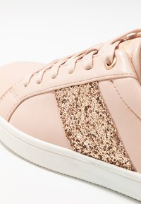 ONLY SHOES - ONLSHILO SIDE PANEL - Joggesko - rose - 2