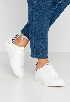 ONLSHILO ANIMAL  - Sneakers basse - white/black