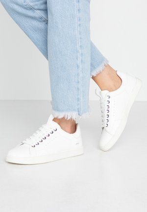 ONLSHILO IRRIDESCENT EYELETS - Zapatillas - white