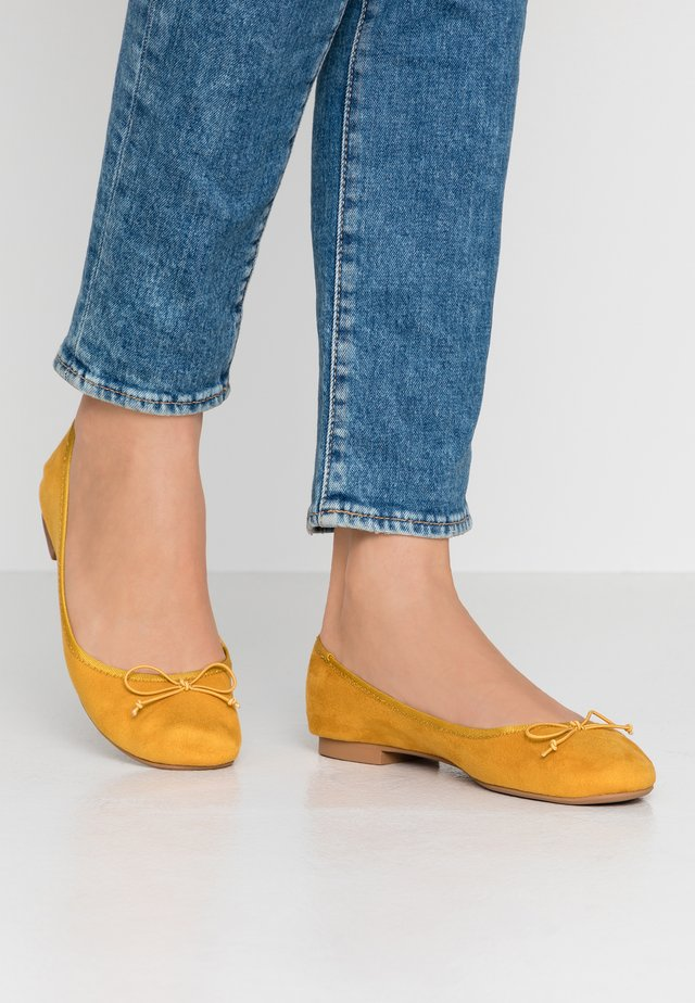 ONLBEE - Ballerines - yellow