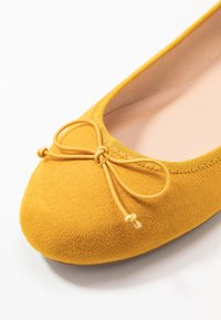 ONLY SHOES - ONLBEE - Ballerines - yellow - 2