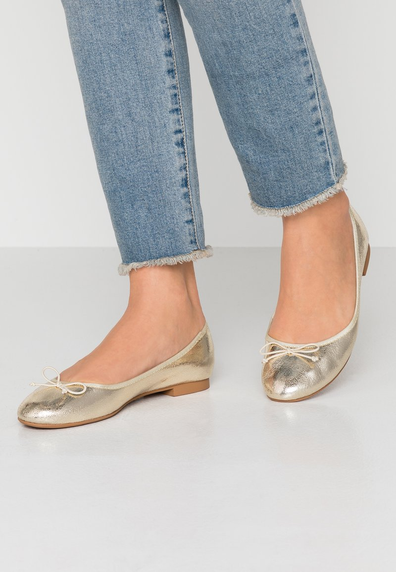 ONLY SHOES - ONLBEE - Ballet pumps - gold