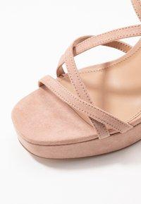 ONLY SHOES - ONLAERIN HEELED CROSSOVER  - Sandály na vysokém podpatku - nude - 2