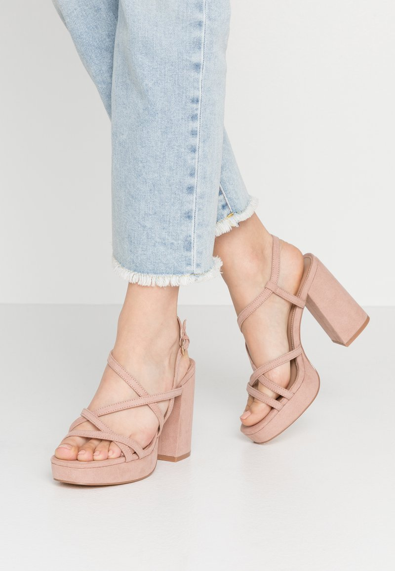 ONLY SHOES - ONLAERIN HEELED CROSSOVER  - Sandály na vysokém podpatku - nude