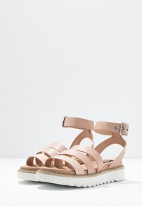 ONLY SHOES - ONLMALU CHUNKY WRAP - Platform sandals - nude - 4