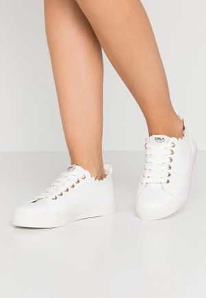 ONLSUNNY SCALOP - Sneakers laag - white