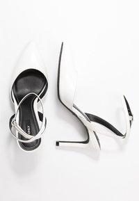 ONLY SHOES - ONLPEACHES  - Lodičky na vysokém podpatku - white - 3