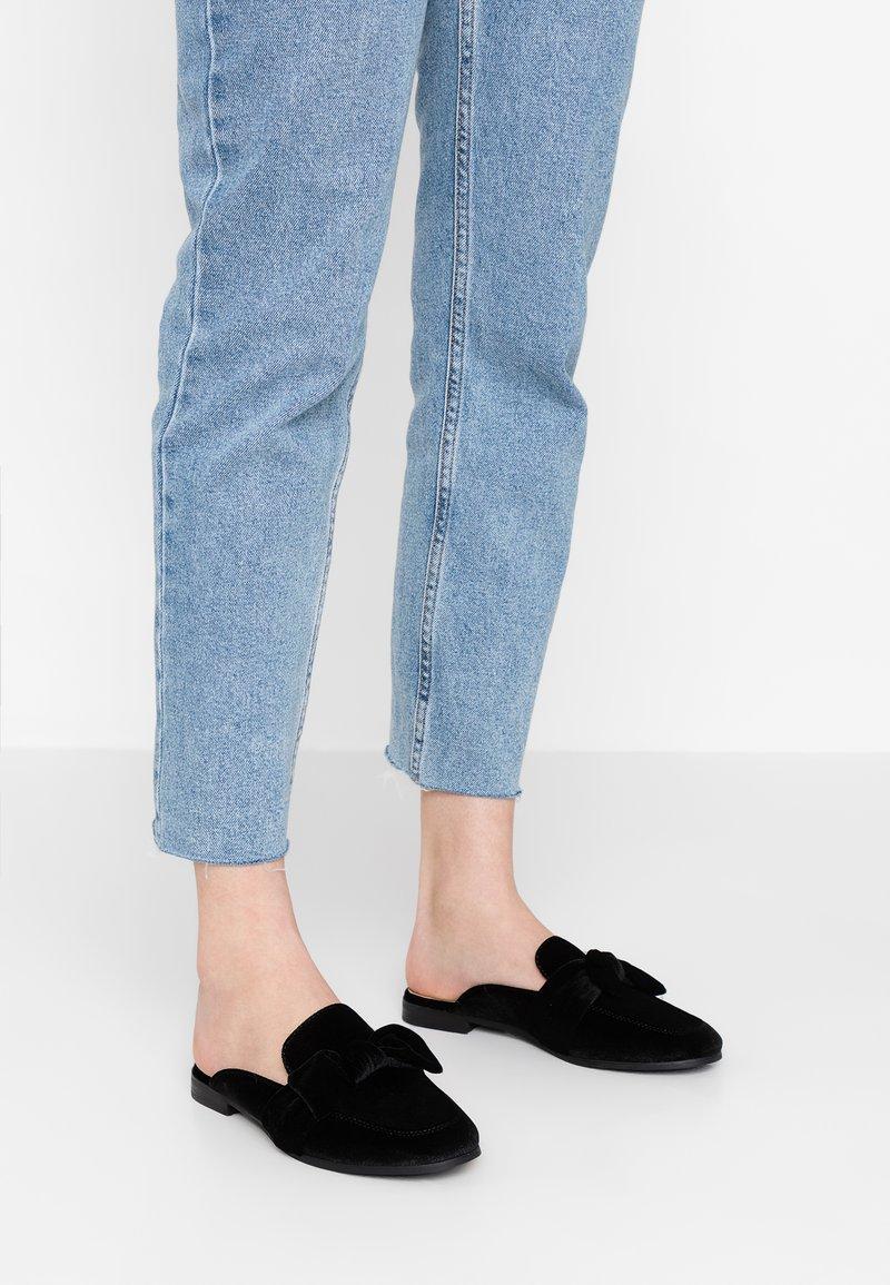 ONLY SHOES - ONLBATIDA SLIP ON - Pantolette flach - black