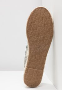 ONLY SHOES - ONLEVA EMBROIDERY GLITTER - Alpargatas - blue - 6