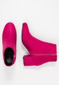 ONLY SHOES - ONLBIMBA HEELED TUBE BOOTIE - Korte laarzen - pink - 3
