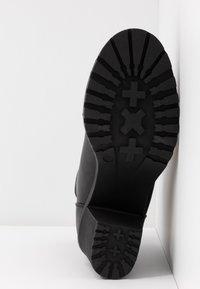 ONLY SHOES - ONLBARBARA HEELED SOCK BOOTIE  - Kotníkové boty - black - 6