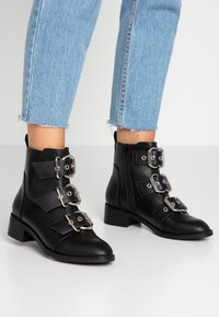 ONLY SHOES - ONLBRIGHT BUCKLE BOOTIE - Classic ankle boots - black - 0