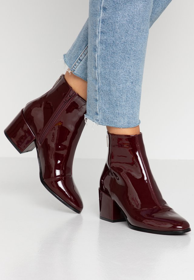 ONLBELEN ZIP - Ankle boots - bordeaux