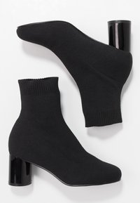 ONLY SHOES - ONLBIMBA HEELED SOCK BOOTIE - Botki - black - 3