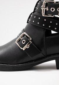 ONLY SHOES - ONLBIBI STUD  - Boots à talons - black - 2