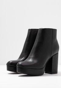 ONLY SHOES - ONLBRIN - Kotníková obuv na vysokém podpatku - black - 4