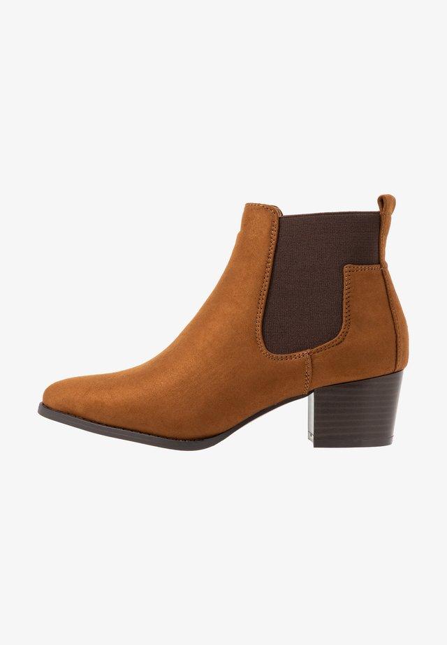 TOBIO CHELSA - Ankle boots - cognac