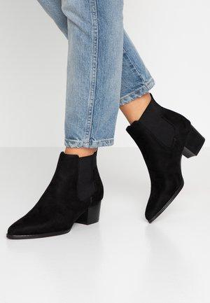 TOBIO CHELSA - Boots à talons - black