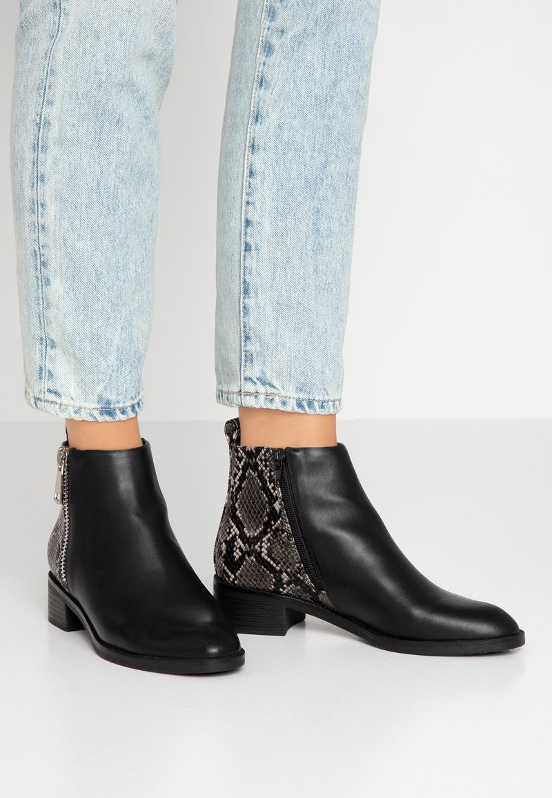 ONLY SHOES - ONLBRIGHT - Ankle boots - black/white