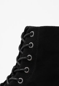 ONLY SHOES - BOLD LACEUP BOOTIE  - Botki na platformie - black - 2
