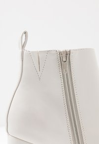 ONLY SHOES - ONLBRODIE  - High heeled ankle boots - white - 2