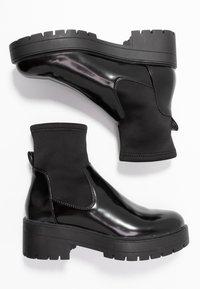 ONLY SHOES - ONLBRANKA TUPE BOOT - Platåstøvletter - black - 3